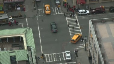 Intersection and crosswalk in New York City — Stock Video