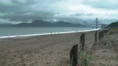 Baker Beach and Golden Gate Bridge — Stockvideo
