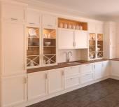 Weißes Kücheninterieur — Stockfoto