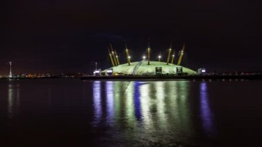Time Lapse of London's Millennium Dome (O2 Arena) with Thames River at Night, London, UK — Stock Video