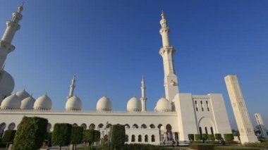 Scheich Zayed Grand Moschee Abu Dhabi Uae, Schwenk — Stockvideo