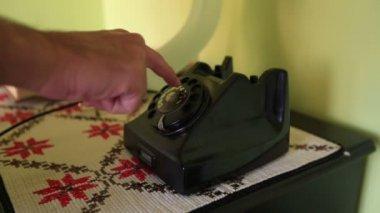 Calling rotary telephone — Stock Video