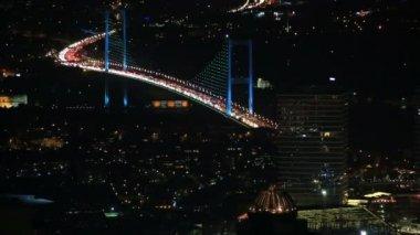 Traffic on the Fatih Sultan Mehmet Bridge — Stock Video