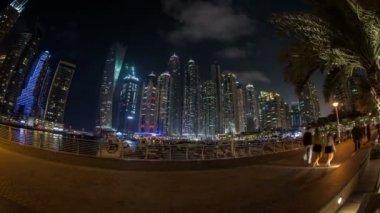 Crowd walking around famous place Dubai Marina — Stock Video