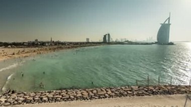 Time Lapse Photography crowd in Jumeirah Beach — Stock Video