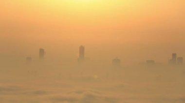 Sunrise vista aérea niebla el tiempo en Dubai Marina — Vídeo de Stock