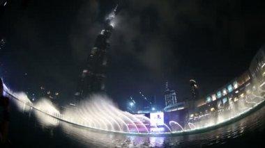 Fountain water show at Burj Khalifa in Dubai — Stock Video