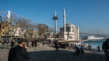 Time lapse photography, people walking Ortakoy square — Stock Video