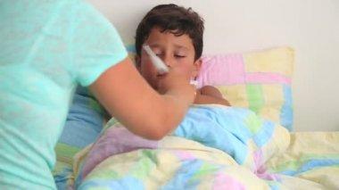 Sick child 3 — Stock Video