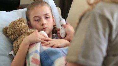 Sick little girl 2 — Stockvideo