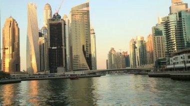 A view of the Dubai Marina — Vídeo stock