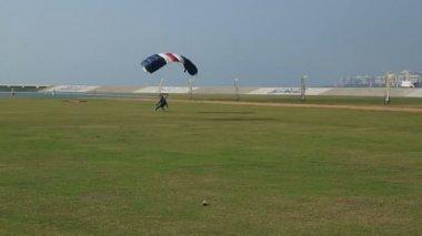 Parachute landed United Arab Emirates — Stock Video