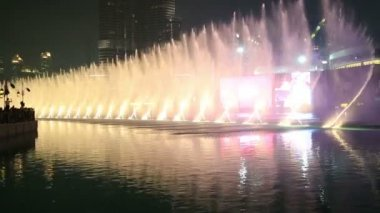 Burj Khalifa Fountain Show — Stock Video