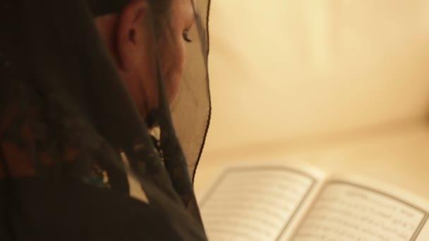 salix muslim Xisnul muslim hordhac sh maxamuud sh xasan abuu dalxa1  fadliga hooyada muxaadaro af-somali ku turjuman sh salix al  hisnul muslim dua.