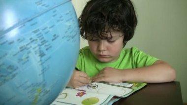 Child doing homework — Stock Video