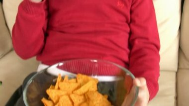 Boy eating chips 3 — Stock Video