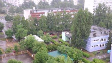 Rain in the city — Stock Video