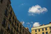 Lonely cloud in sky of barcelona — Stock Photo