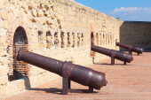 Cannons of Castel dell'Ovo (Egg Castle) Naples, Italy. — Stock Photo