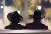 The silhouette of two Jewish men. Jerusalem city, Israel. — Stock Photo