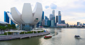 Evening view of Downtown Core quay and Marina Bay Bayfront district. Singapore — Stock Photo