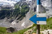 Signpost on Treks in Switzerland — Stock Photo