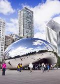 CHICAGO, ILLINOIS - SEPTEMBER 6, 2012: Cloud Gate (The Bean) — 图库照片