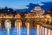 St. Peter's Basilica at night in Rome, Italy — Stock Photo