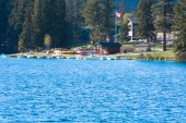 Lac Beauvert at the Jasper Park Lodge Canada — Stock Photo