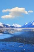 Alaskan Winter Mountain Ocean Landscape — Stock Photo
