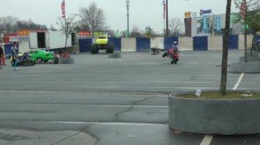 Man drive ATV on two wheels — Stock Video