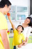 Asian Family Kitchen Lifestyle — Stock Photo