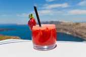 Glass  strawberry cocktail — Stock Photo