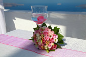 Wedding bouquet and  glass — Stock Photo
