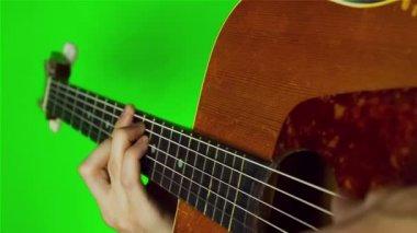 Man playing guitar. — Stock Video