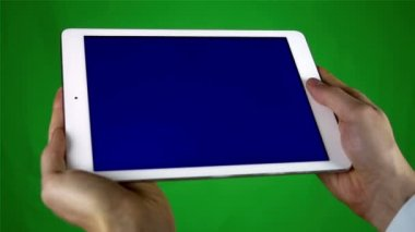 Using Tablet Pc With Blue Screen — 图库视频影像