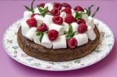 Torta con malvavisco y frambuesa — Foto de Stock