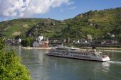 Ship on Rhine river — Stock Photo