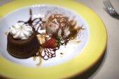 Ice cream and chocolate cake — Stock Photo