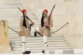 Athens, Greece, 30 May 2015. Evzones guard change in front of parliament of Greece. — Foto Stock
