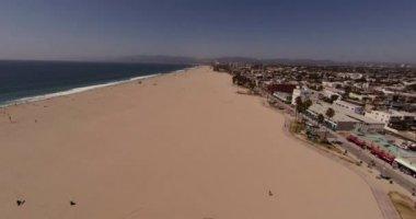 Aerial Shot of Santa Monica and Venice beach, Los Angeles California — Stock Video