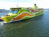 Ship in port of Tallinn — Stock Photo