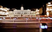 Luzes de tráfego por noite — Fotografia Stock