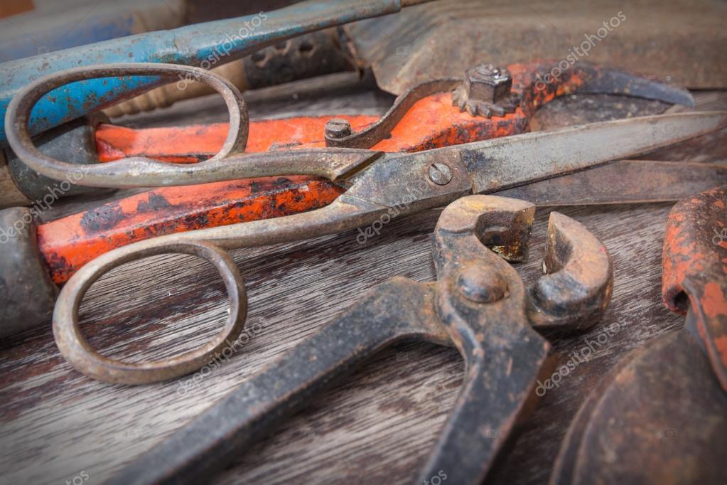 Antiguas herramientas oxidadas vintage herramientas - Herramientas de jardineria 94 ...