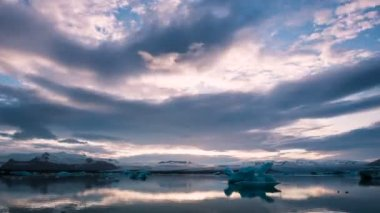Sunset Timelapse over Glacier Lagoon — Stock Video