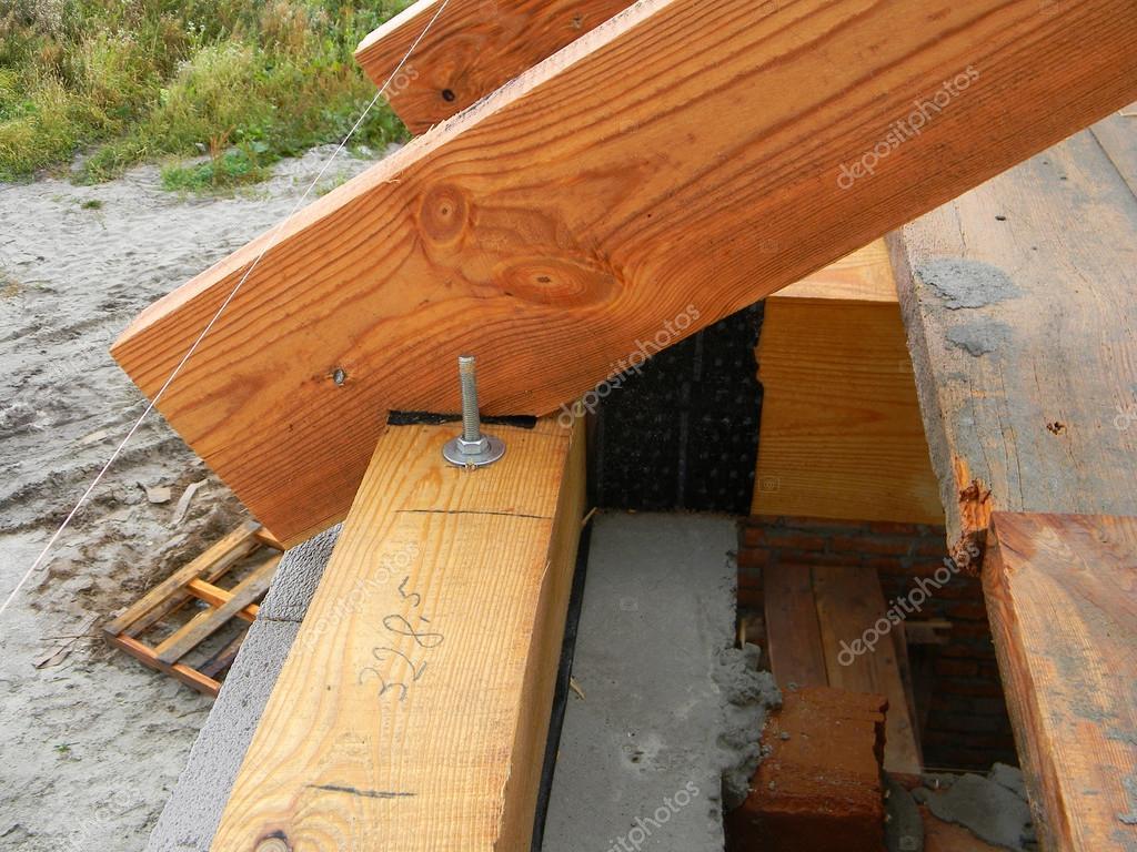 Instalación de madera vigas en construcción el sistema de cerchas de  #AB5020 1024x768