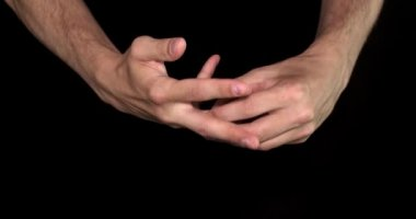 Hands takes off a ring — Stock Video