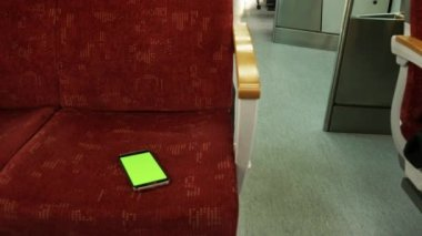 Lost smart phone in the train — Stock Video
