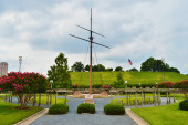Mast monument in park of Baltimore — Stock Photo