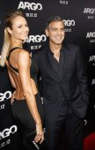 Stacy Keibler and George Clooney — Stock Photo